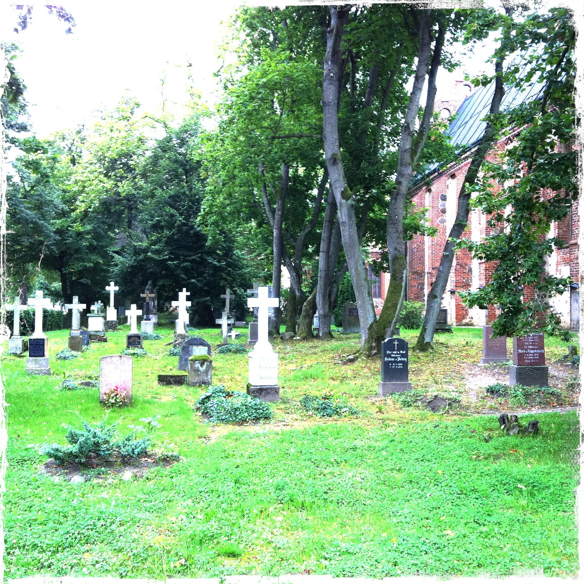 Brandenburg Kloster Stift zum Heiligengrabe I Friedhof