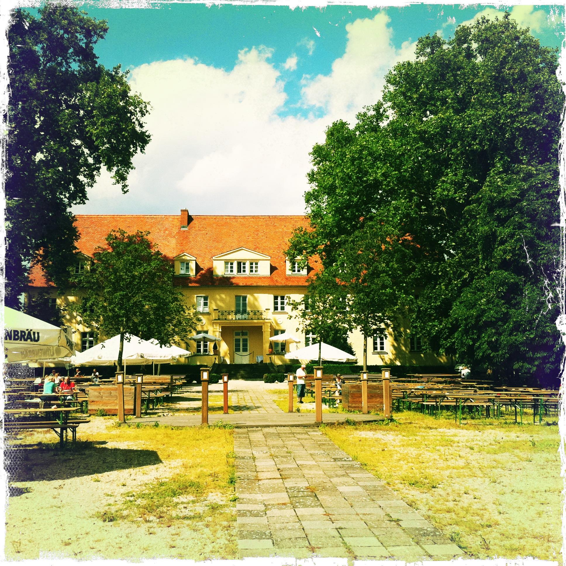 Schloss Diedersdorf - Blick aus dem Biergarten