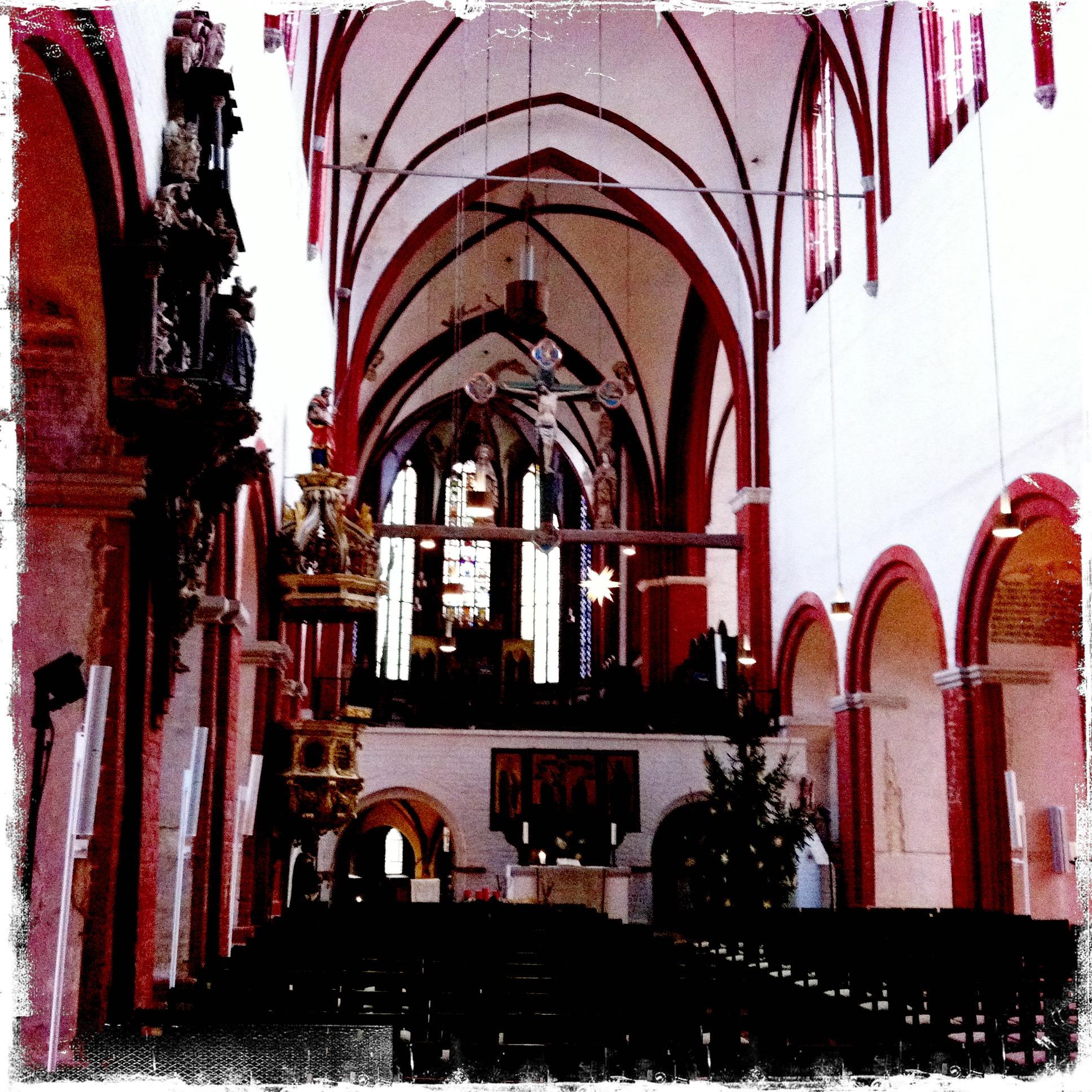 Brandenburg an der Havel l Blick ins Kirchenschiff des Doms