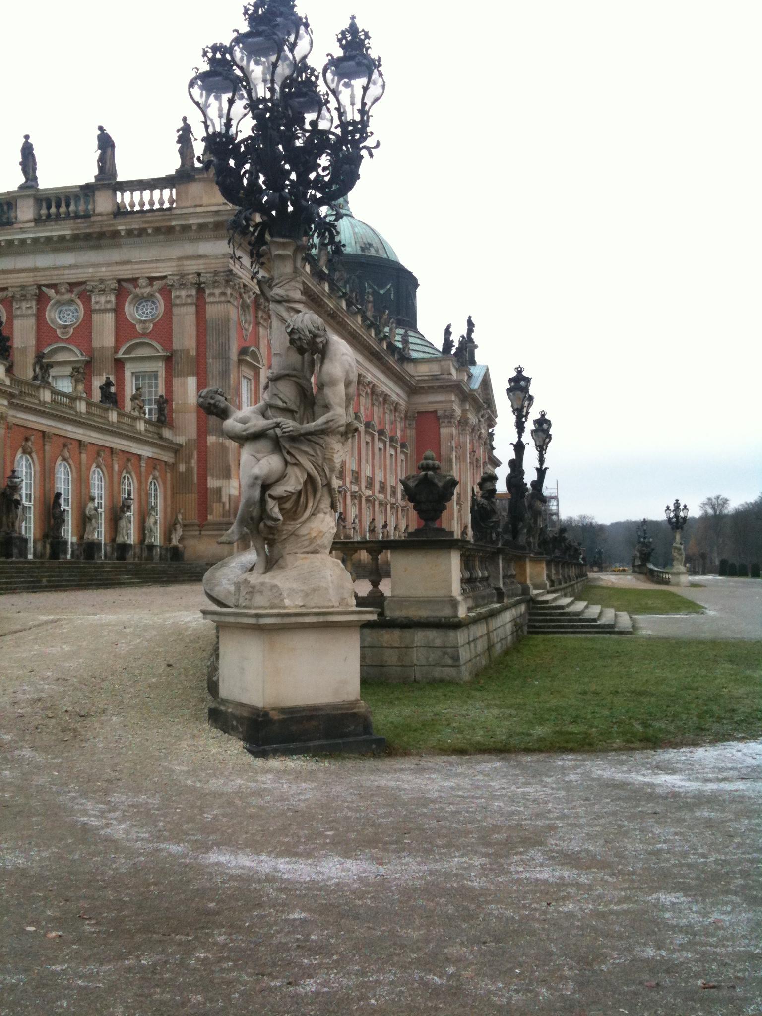 Sanssouci-Neues-Palais-1