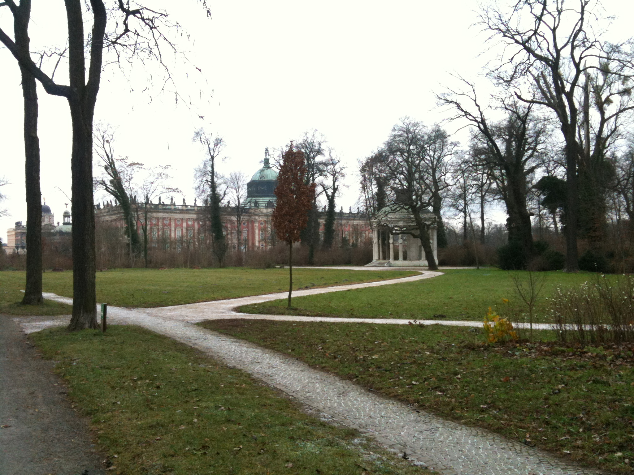 Sanssouci-Schlosspark-Neues-Palais