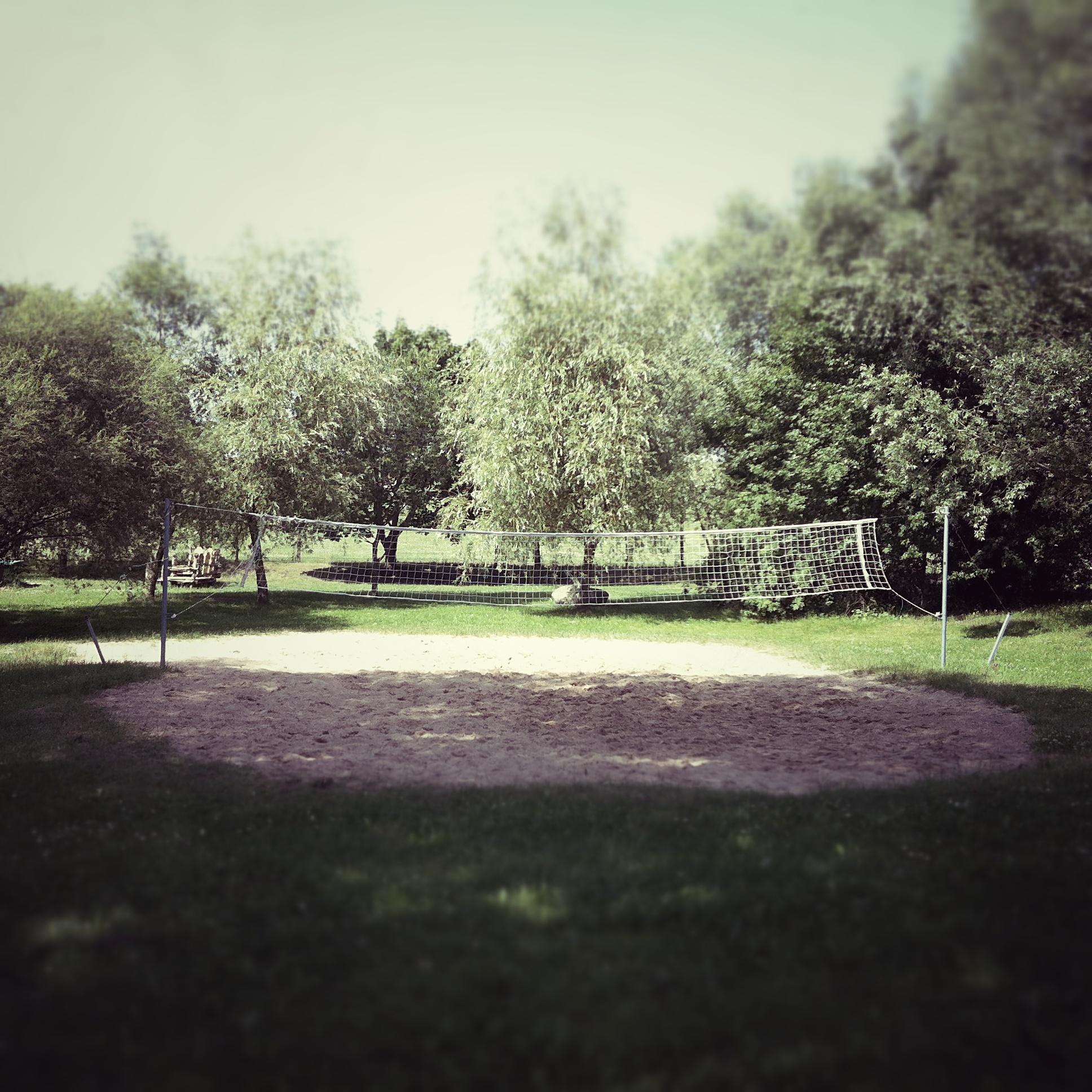 Brandenburg Parsteiner See Volleyballfeld