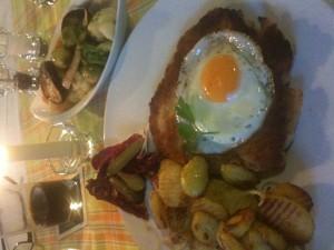 Hamburger Schnitzel im Zum Taubenschlag